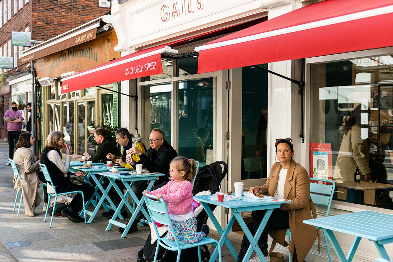 https://tableplacechairs.com/wp-content/uploads/2021/08/GAILS-BAKERY-TWICKENHAM-LONDON-for-web-12.jpg