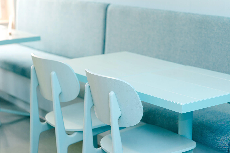 https://tableplacechairs.com/wp-content/uploads/2021/08/GAILS-BAKERY-TWICKENHAM-LONDON-for-web-17.jpg