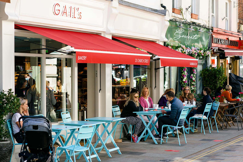 https://tableplacechairs.com/wp-content/uploads/2021/08/GAILS-BAKERY-TWICKENHAM-LONDON-for-web-5.jpg